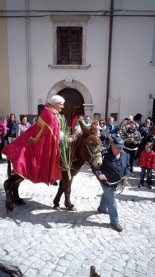 Pescasseroli, celebra la messa e muore. Don Daniele Mussa se ne va così.