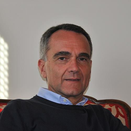 """Pescocostanzo, Ugo Del Castello presenta l'ultima opera 'E ancora gli Sci"""":"""