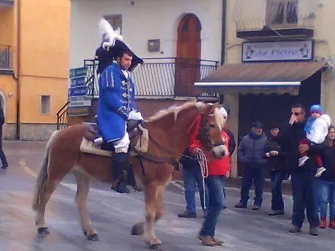 Successo di presenze ad Ateleta per i fuochi di Sant'Antonio