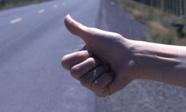 Castel di Sangro, automobilista offre un passaggio e viene derubato