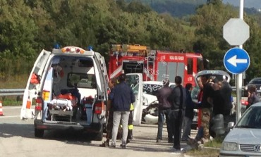 San Pietro Avellana, scontro frontale: due feriti