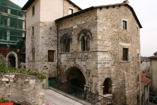 palazzo-de-petra