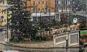 La neve avvolge Roccaraso, la stagione invernale prende piede