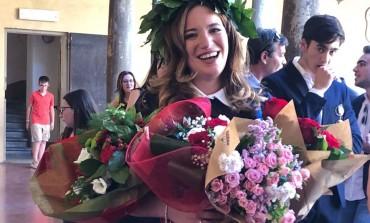 Confetti rossi in casa Pallotta, con 110 e lode Arianna si laurea in Giurisprudenza all'università di Bologna