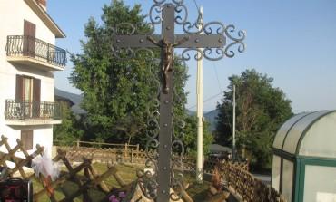 La comunità di Scianco ha inaugurato la Croce Gloriosa