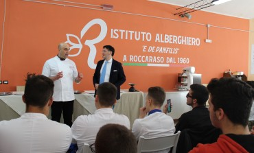 'Autunno stellato' all'alberghiero di Roccaraso, studenti a lezione di pasticceria con Angelo Di Masso
