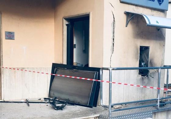 Rubano il bancomat con una bomba a Colli a Volturno