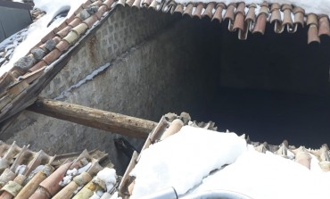 Crolla capannone a Pescocostanzo, era una vecchia falegnameria