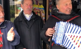 Renato Veneziale cuore di Carovilli, a Sulmona vende i giornali con il dubbot