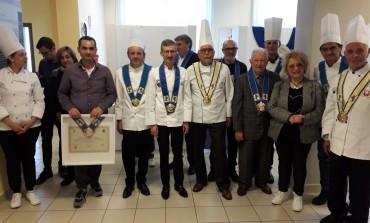 """Villa Santa Maria, compiono 11 anni i """"custodi della tradizione"""": ieri la consegna dei collari"""