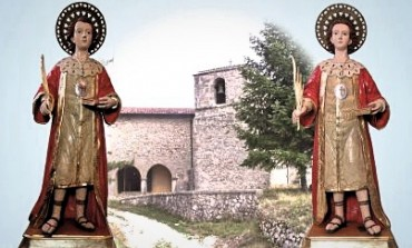 """Le statue di San Cosma e Damiano """"scendono"""" nella Basilica di Santa Maria Assunta"""