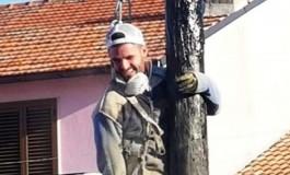 Agnone, il pasticciere Labbate conquista l'albero della cuccagna