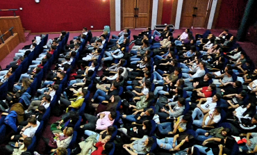 Dante painting in motion ipnotizza le scuole secondarie di Castel di Sangro al Teatro Tosti