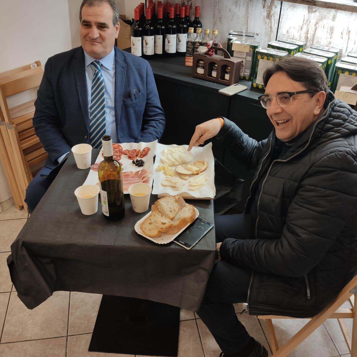 Peppe Notartomaso (sindaco Campodipietra) e Maurizio Varriano di Borghi d'eccellenza