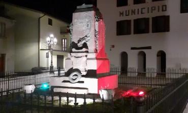 Pietrabbondante - Il Guerriero Sannita, simbolo del Molise, si illumina con il tricolore