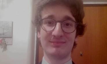 Confetti rossi per Lorenzo Paglione, si è laureato in biotecnologie mediche