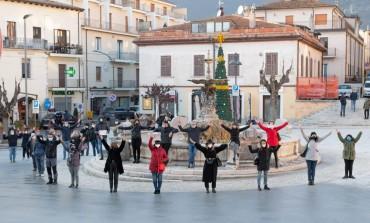 Protesta commercianti Castel di Sangro, gli imprenditori scendono in Piazza