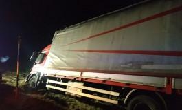 Camion esce di strada sull'Altopiano delle 5 Miglia, illeso il conducente