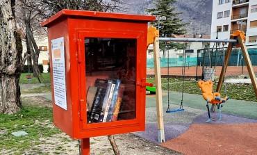 La casetta di bookcrossing a Castel di Sangro: un libro al prezzo di un libro