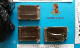 Arrestata ragazza per droga, Squadra Mobile sequestra 300 grammi di hashish