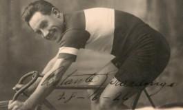 """Giro d'Italia: Costante Girardengo, esposizione a Castel di Sangro della scultura """"L'uomo Costante"""""""