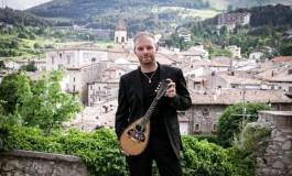 """Pescocostanzo: il M° Francesco Mammola racconta con le note """"Il mandolino popolare in Abruzzo"""""""