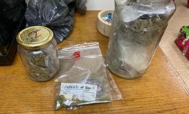 Operazione antidroga, arrestato per detenzione marijuana e trafugamento di reperti archeologici
