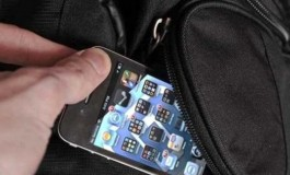 Acquista un cellulare rubato, denunciato per ricettazione