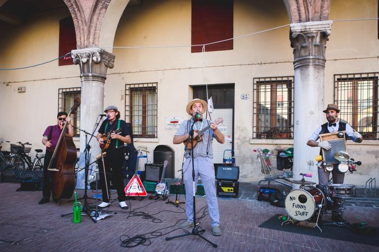 Castel del Giudice, artisti di strada da tutto il mondo con il Buskers Festival