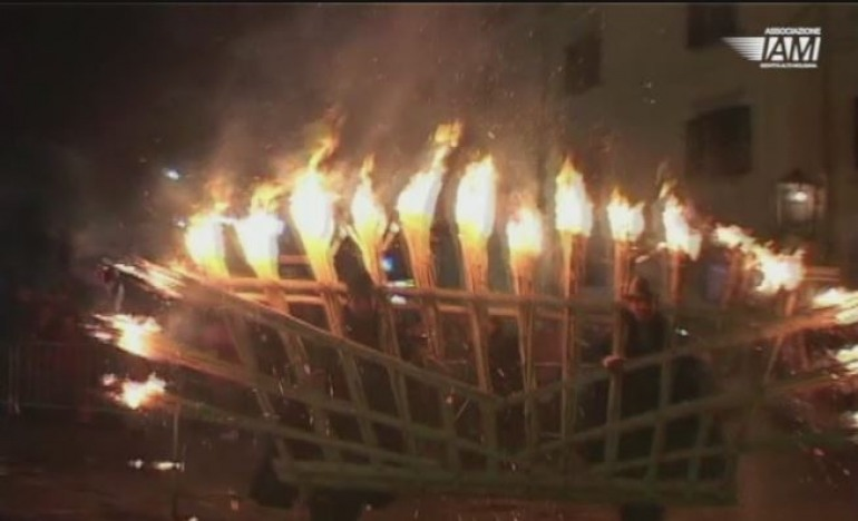 Agnone, il 'trailer 2014' del fuoco più grande al mondo