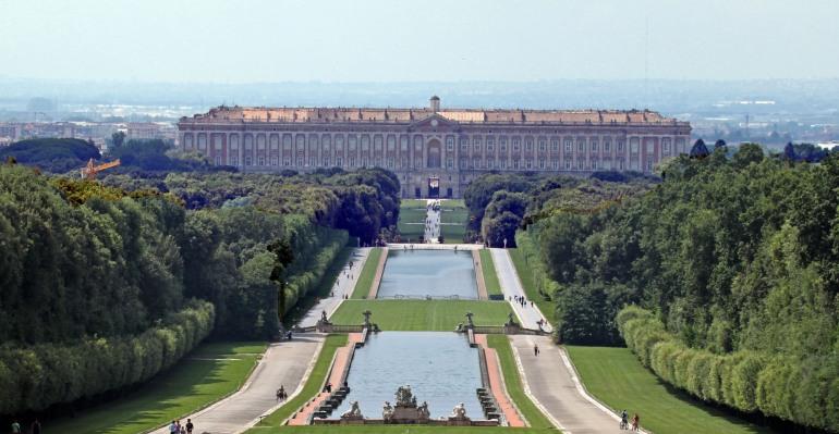 """Isernia, MuseC in trasferta alla Reggia di Caserta per """"Promenade e Ballo delle Nazioni"""""""