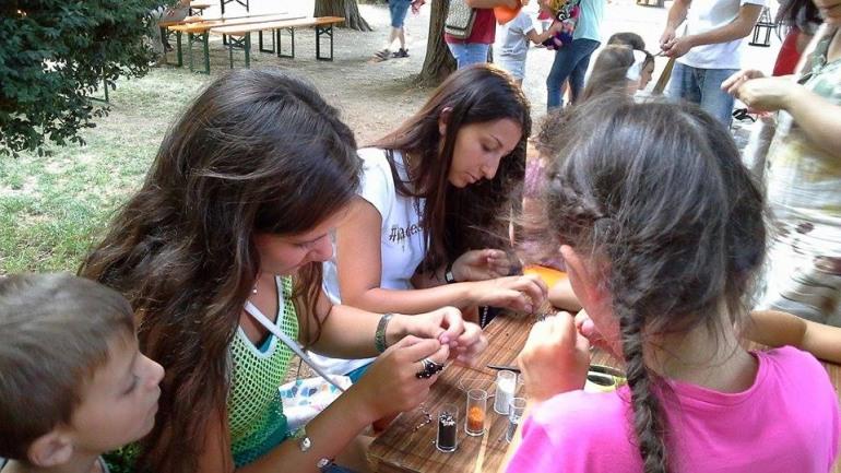 Castel di Sangro, Clessidra a tutto campo: educa, convince e diverte