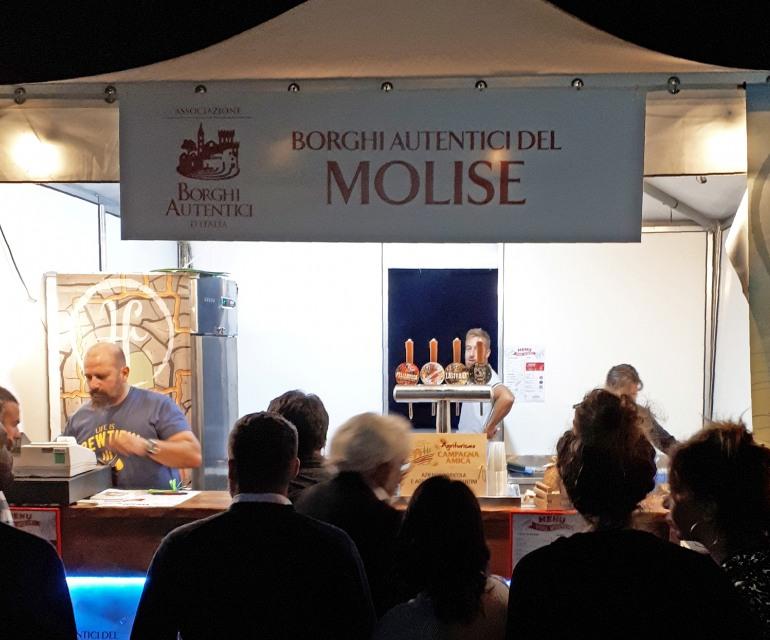 Festa nazionale borghi autentici d'Italia a Barrea: lo stand del Molise conquista tutti