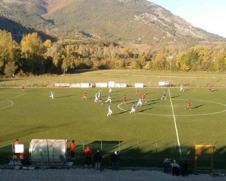 Scapoli espugna il campo dell'Ala Fidelis. Risultato finale: 2 – 3