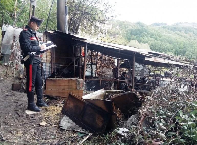 Agnone, indagini dei carabinieri per l'incendio in un'area rurale