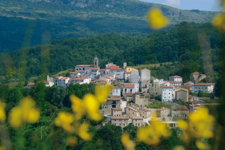 """Rilancio piccoli comuni, Castel del Giudice sostiene l'iniziativa """"radici del futuro"""""""