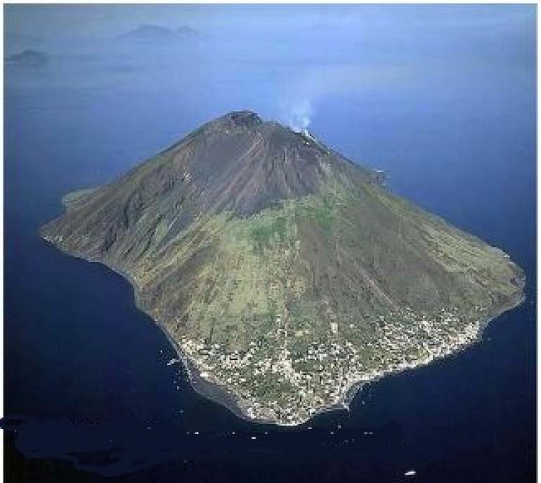"""Scontrone, seminario con proiezione """" Viaggio alpinistico tra i vulcani della Terra"""""""