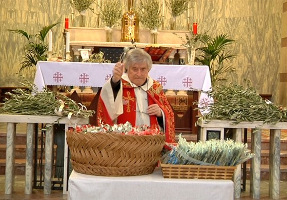 Ateleta celebra la domenica delle palme: consegnati ramoscelli d'ulivo e mascherine