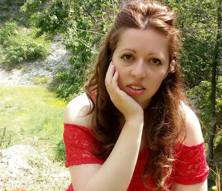 'Respiro nel tuo abbraccio', esce il libro di Elena Lombardi: l'evoluzione del contemporary romance
