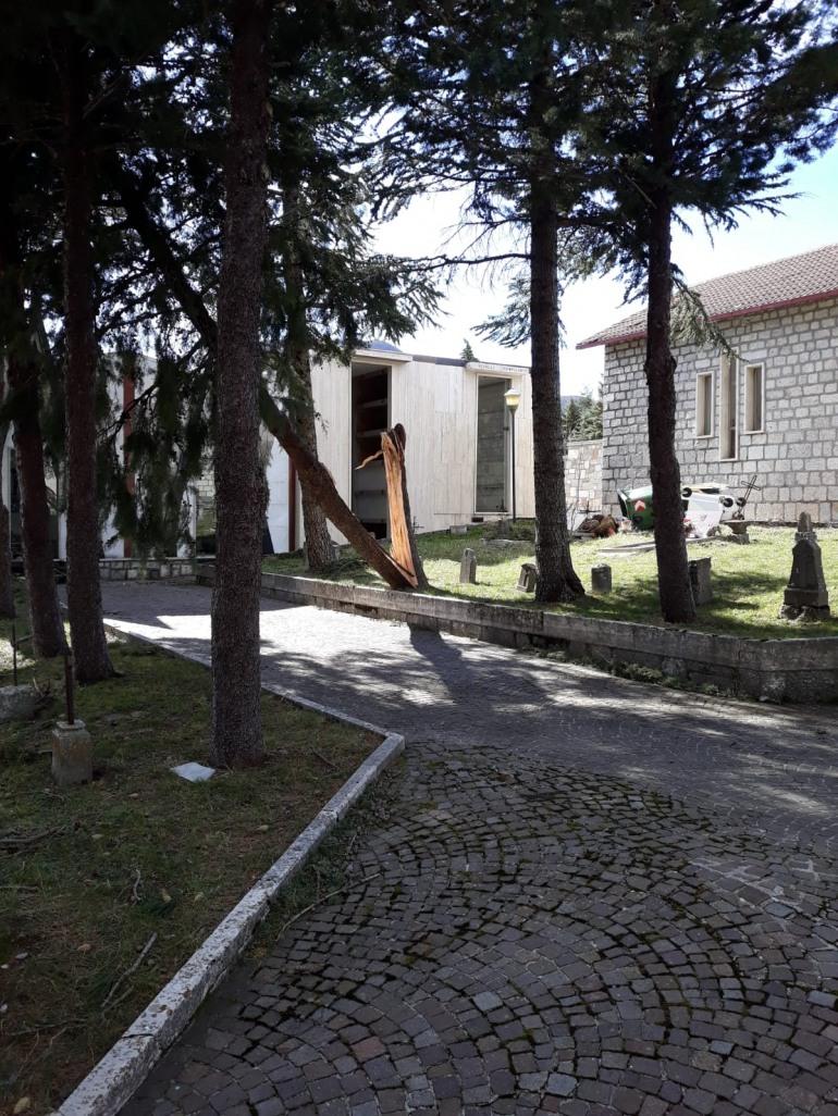 Pescopennataro, danni per le raffiche di vento: chiusa al traffico la strada per Castel del Giudice
