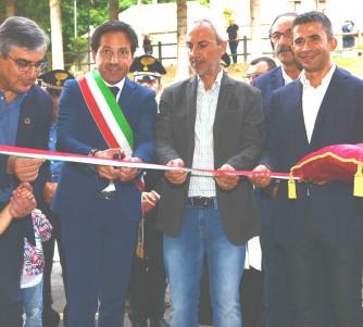 D'Alfonso, Paolucci e Di Donato all'inaugurazione del parcheggio di Roccaraso