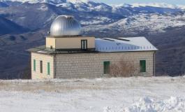 """Tutti all'osservatorio di San Pietro Avellana a guardare il """"bacio"""" tra sole e luna"""
