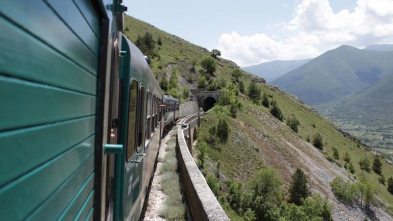 Rifllettori d'Europa sulla Transiberiana d'Italia, ma il tratto molisano resta chiuso