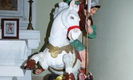 Scapoli, si restaura la statua di San Giorgio: parte la raccolta fondi su facebook