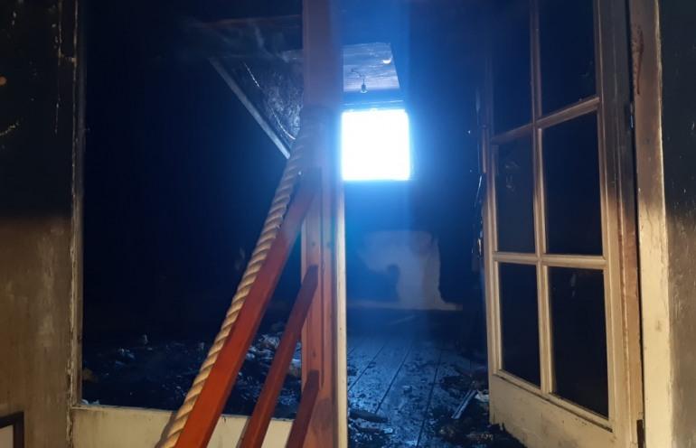 Scontrone, giovane salva 93enne dalle fiamme in casa