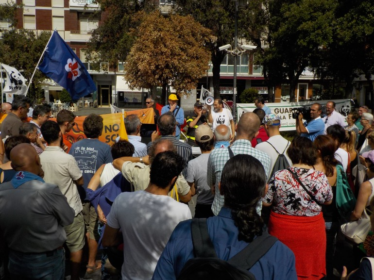 Abruzzo – Pescara, sit-in contro gli incendi