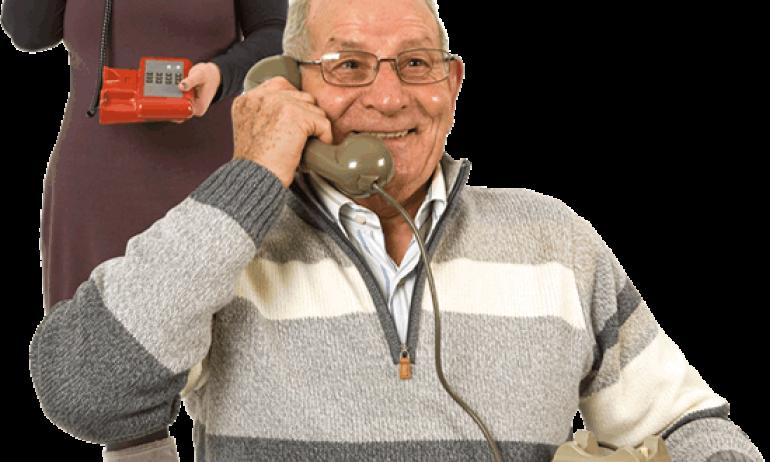 Il telefono salva la vita: adottiamo gli anziani!