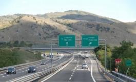 Rincari autostrade A24 - A25, scatta la protesta: i sindaci chiedono aiuto ai cittadini