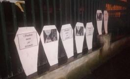 """Bare davanti alle scuole a Isernia, gli studenti gridano: """"Non vogliamo morire per il terremoto"""""""
