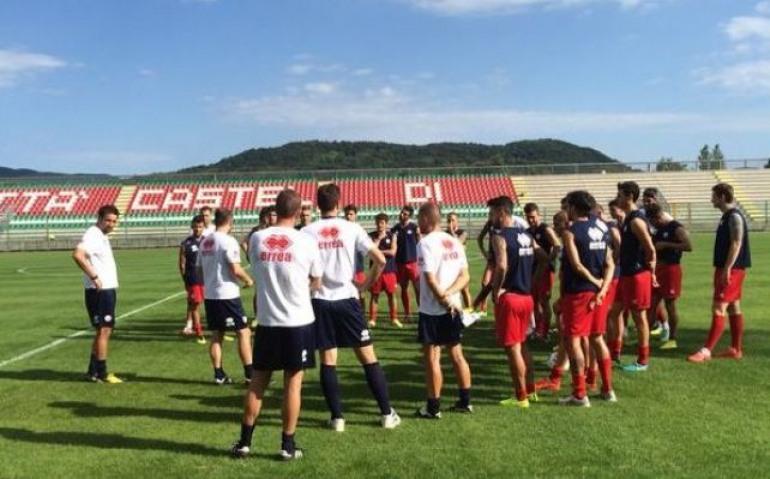 Calcio, Bari in brutte acque viene in ritiro a Castel di Sangro